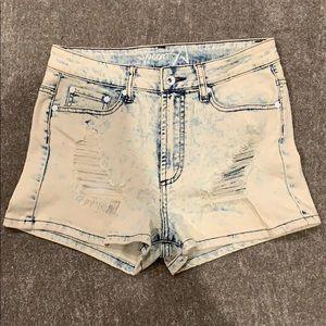 High-waisted Jean shorts